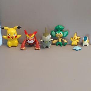 Pokemon Assorted Battle Figures With Tin